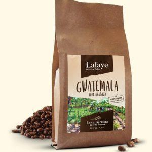 GWATEMALA 250G 24,99 ZŁ Gwatemala jest niezwykłym miejscem na świecie, gwarantującym uprawę wyjątkowych odmian kawy. Ów wulkaniczny teren bardzo mocno wpływa na smak kawy stamtąd pochodzącej. Jeśli więc jesteście fanami korzennego aromatu, z nutą karmelu, ale o nieco pikantnym posmaku, to idealna dla Was kawa będzie pochodziła z Gwatemali.