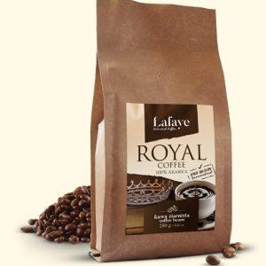 ROYAL COFFEE 250G 24,99 ZŁ Intensywna, aromatyczna kompozycja ROYAL COFFEE o zbalansowanej kwasowości. Taka właśnie jest autorska mieszanka 100% Arabic, której pomysł narodził się w naszych kubkach smakowych.
