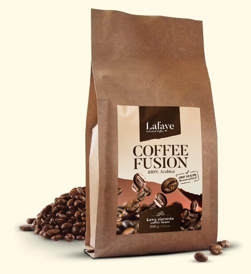 COFFEE FUSION 500G 27,99 ZŁ Coffee Fusion jest mieszanką ziaren Arabiki o niezwykle bogatym i wielowymiarowym bukiecie. To perfekcyjnie skomponowana, wyrazista mieszanka, przeznaczona dla tych, którzy chcą coś więcej od kawy… Zmysłowa, aromatyczna, odprężająca….