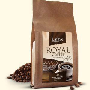 ROYAL COFFEE 1KG 24,99 ZŁ Intensywna, aromatyczna kompozycja ROYAL COFFEE o zbalansowanej kwasowości. Taka właśnie jest autorska mieszanka 100% Arabic, której pomysł narodził się w naszych kubkach smakowych.